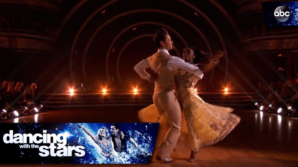 "Simone Biles dances to ""Good Good Father"" on DWTS"