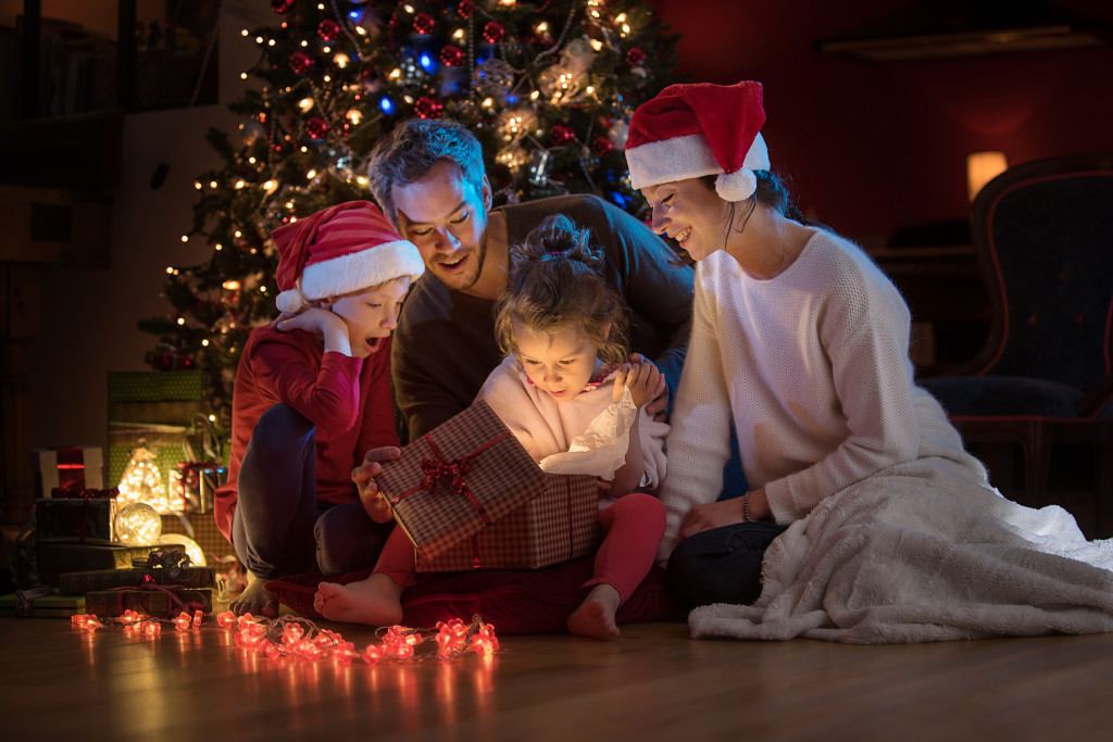 At christmas a lovely family find a digital tablet